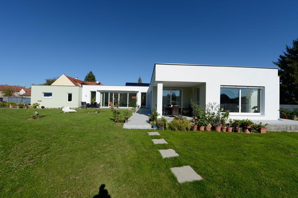 Flachdachhaus in hartberg lieb massivhaus for Massivhaus katalog