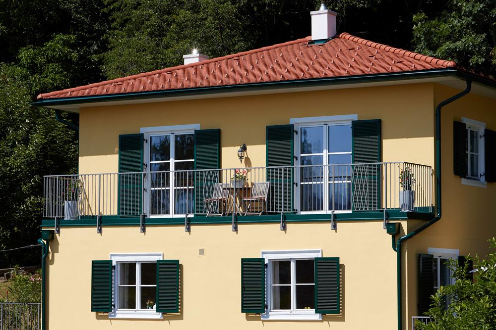 Ziegel-Massivhaus mit WALMDACH in Freiberg