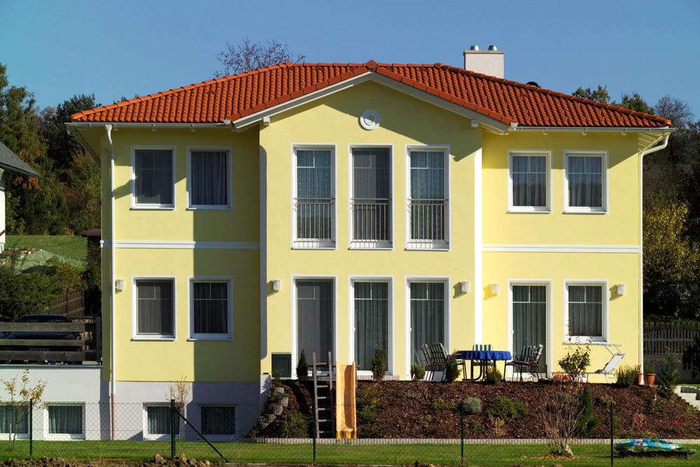 Ziegel-Massivhaus mit WALMDACH in Stubenberg
