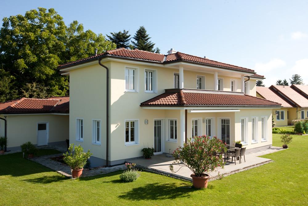 Ziegel-Massivhaus mit WALMDACH in Vorau   Lieb Massivhaus