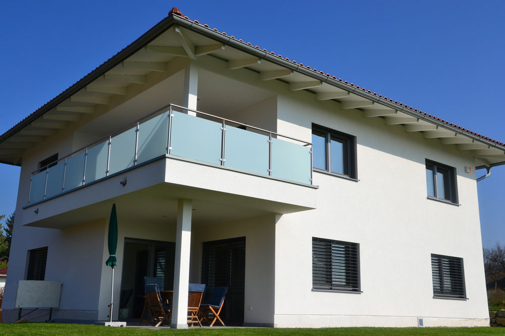 Ziegel-Massivhaus mit WALMDACH in Mitterdorf