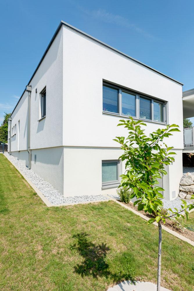 Flachdachhaus in puch lieb massivhaus for Massivhaus katalog