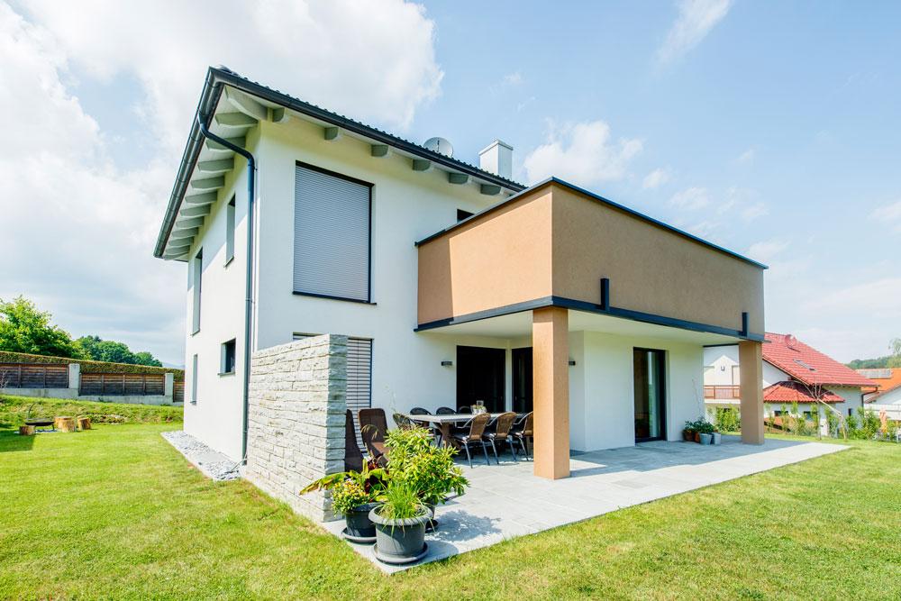 Ziegel-Massivhaus mit WALMDACH in Graz-Umgebung