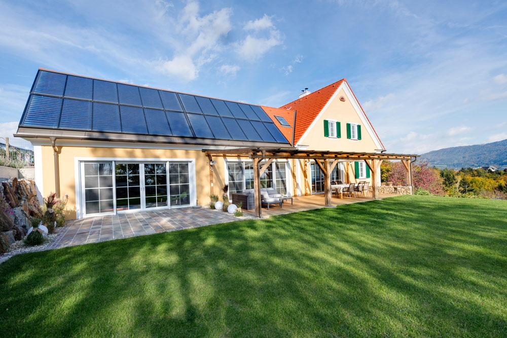 Satteldachhaus in weiz lieb massivhaus for Massivhaus katalog